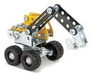 Vrachtwagen met oplegger en kraan